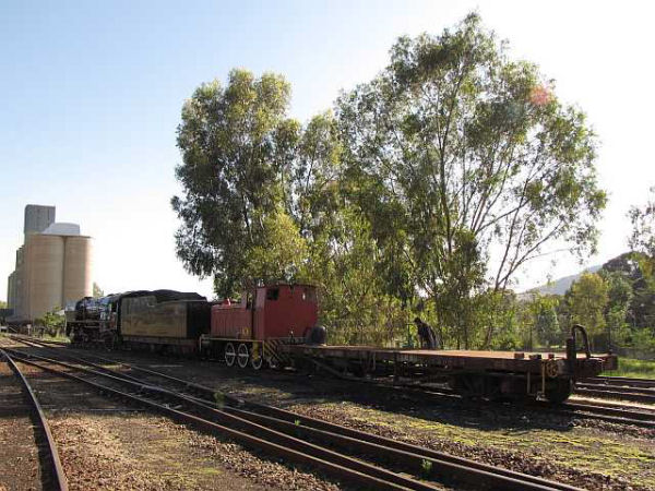 04_-_Relocation_-_Shunting_under_the_green